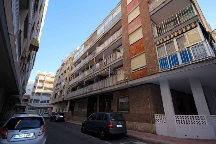 Resale - Apartments - Torrevieja