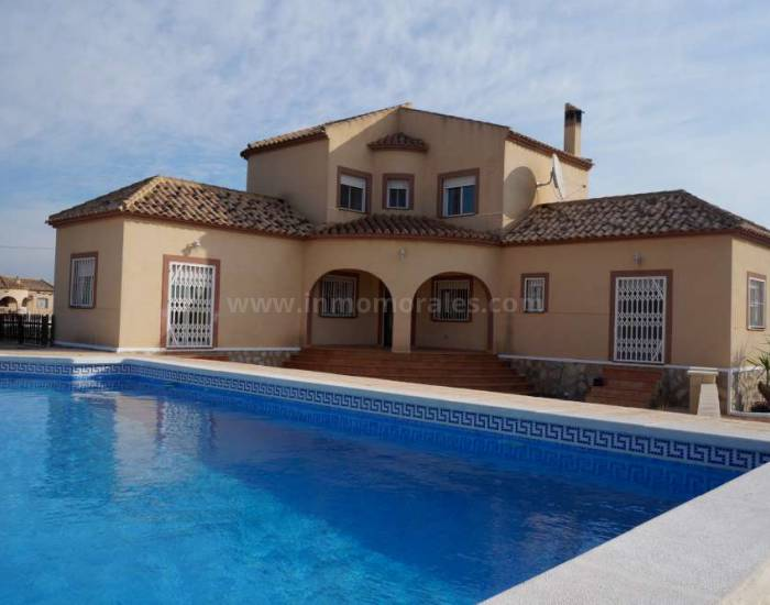 Detached House / Villa  - Resale - Dolores - Dolores